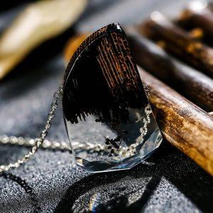 colier din lemn