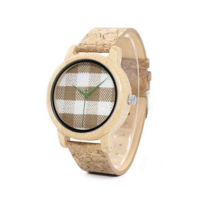 ceas clasic din lemn