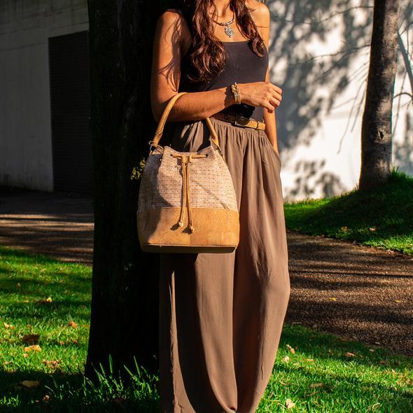geanta de dama pluta