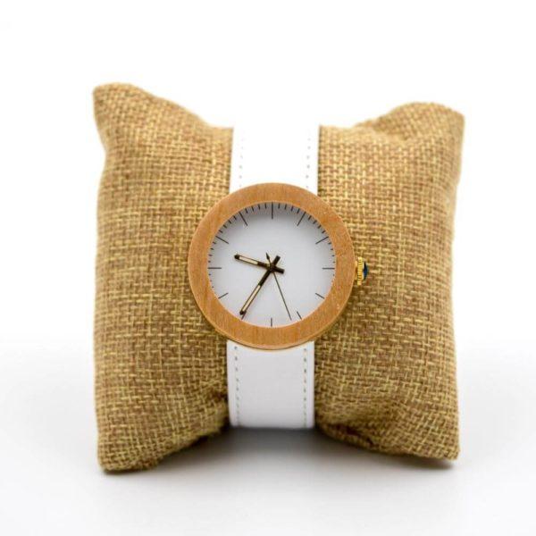 ceas alb de dama