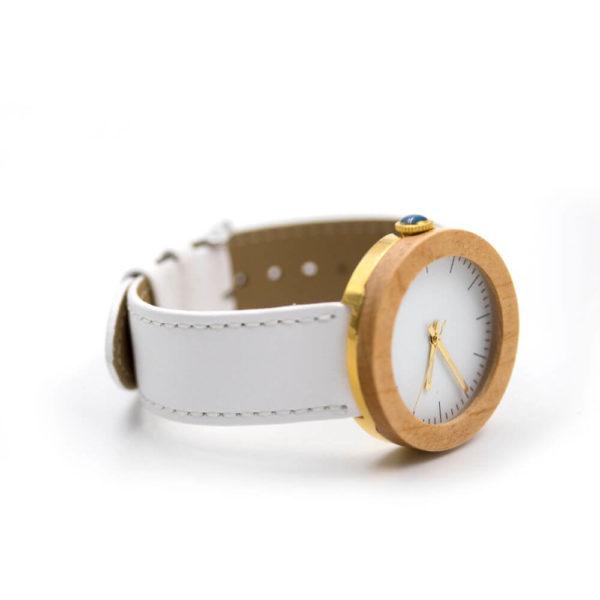 ceas din lemn pentru dama