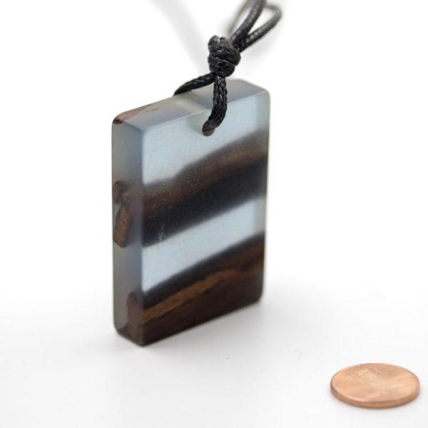 colier rasina lemn