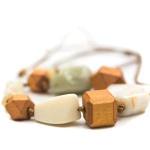 colier handmade din pietre