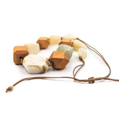colier handmade din lemn
