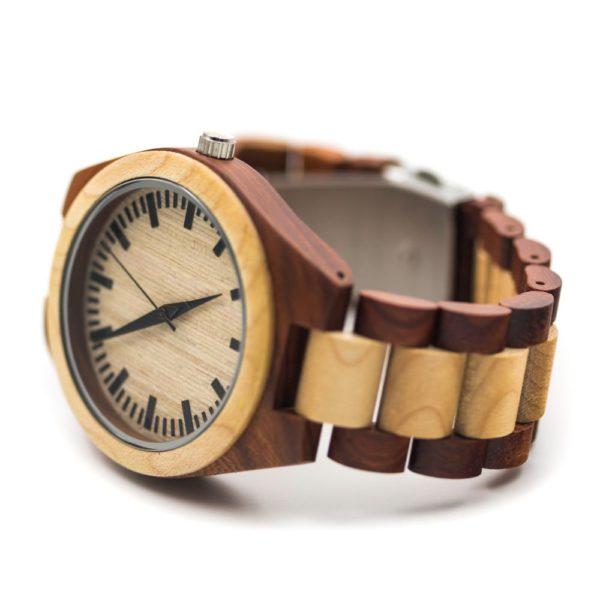 ceas din lemn casual
