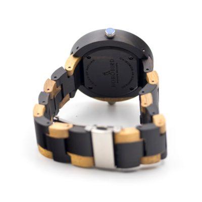 ceas din lemn negru