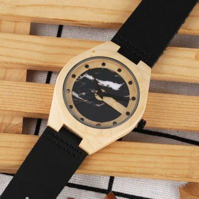 ceas bicolor lemn